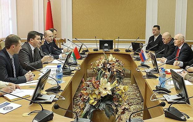 Круглый стол представителей Белорусской ассоциации врачей, ассоциации врачей Словакии с членами Постоянной комиссии по здравоохранению, физической культуре, семейной и молодежной политике